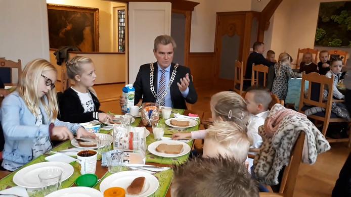 Een ontbijtje met de burgemeester.