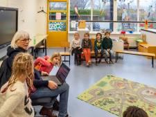 Basisscholen worstelen: verkouden kinderen wel of niet toestaan op de noodopvang?