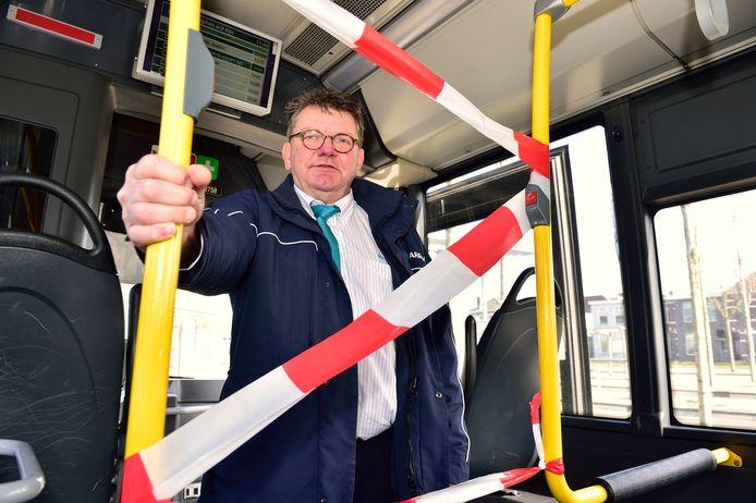 Corona: minder treinen en bussen in Groene Hart | Woerden | AD.nl