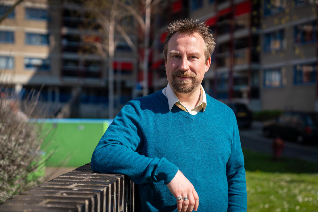 """Jeroen Geuze, wiskundeleraar OBC Elst. ,,Het online lesgeven begint te wennen."""""""