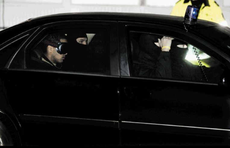 Hofstadgroep-verdachte Jason W. arriveert bij de Bunker in Amsterdam-Osdorp. (FOTO ED OUDENAARDEN, ANP) Beeld