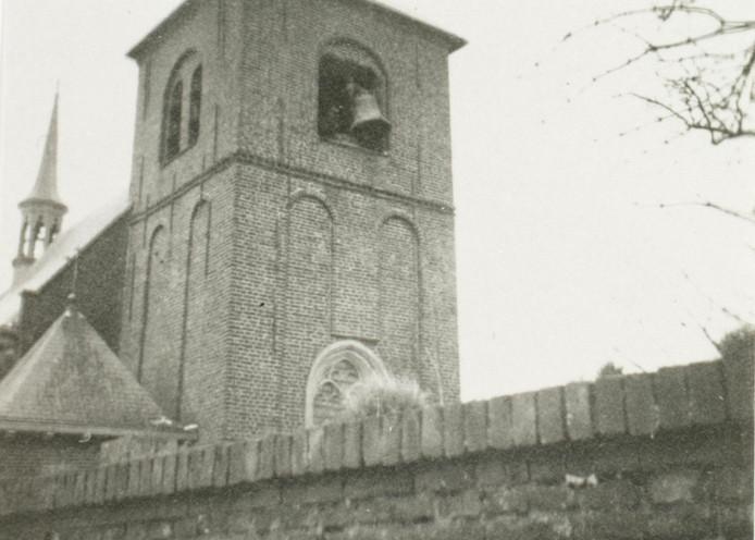 Nazi's roven klokken in Bokhoven in 1942