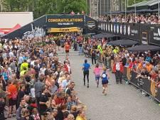 Vestingstad Den Bosch volop aan de run en aan de wandel:  'Volgend jaar laten we veel meer wandelmedailles maken'