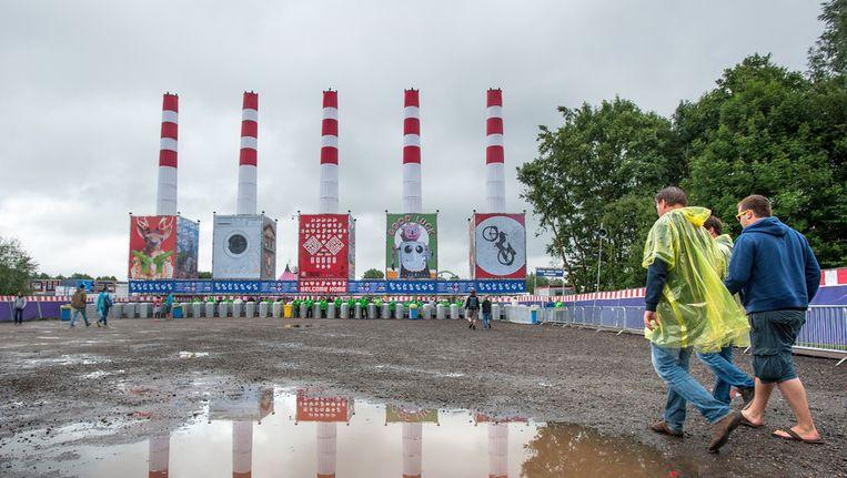 - Bezoekers van Lowlands op de laatste dag van het festival. Beeld ANP
