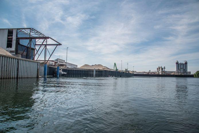 De haven van Heijen die op de nominatie staat om helemaal verbouwd en uitgebreid te worden.