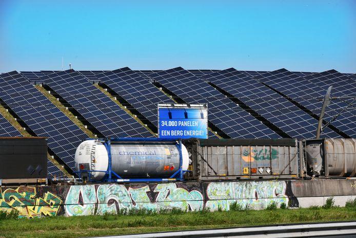 De gesloten stortplaats van Avri in Geldermalsen.