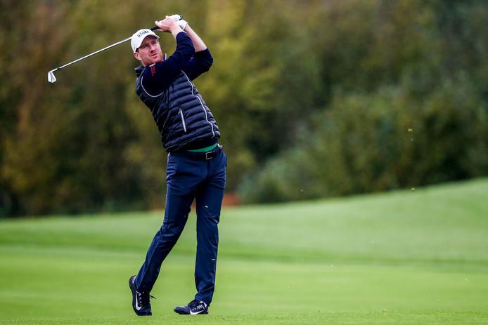 Wil Besseling op de vijfde hole tijdens het KLM Open op golfbaan The Dutch.
