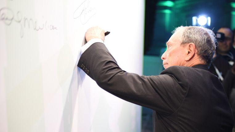 Michael Bloomberg tijdens de klimaattop in Parijs Beeld null