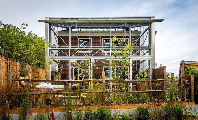 Exterieur van het meest duurzame rijtjeshuis op de campus van de TU Delft. Beeld anp