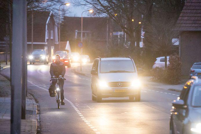 NIet alleen in de Thorbeckestraat maar ook op andere plekken in de stad wordt de verkeersveiligheid voor fietsers aangepast.
