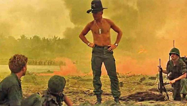 Robert Duvall in Apocalypse Now. Hij maakte zich als luitenant-kolonel Bill Kilgore onsterfelijk met de tekst 'I love the smell of napalm in the morning'. Beeld null