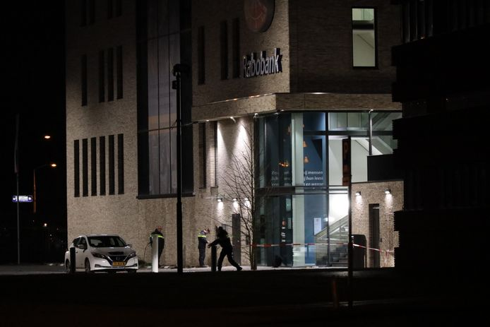 Op een afstortkluis van de Rabobank aan de Taxandriaweg in Waalwijk is een plofkraak gepleegd.