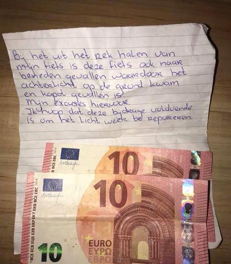 Dit bijzondere excuusbriefje vond studente Elina bij haar fiets