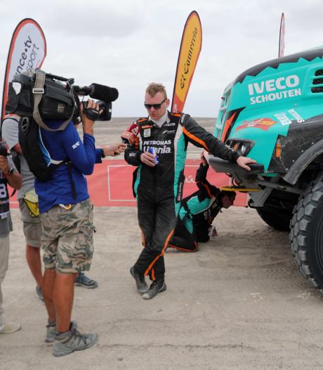 De Rooy blijft derde in Dakar Rally