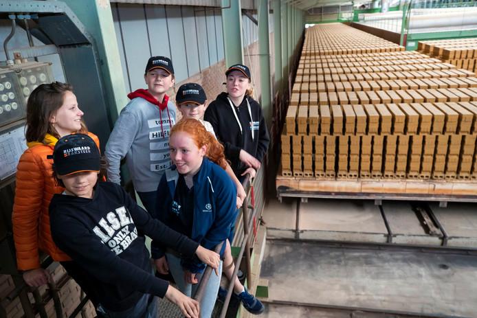 De opendag van de Steenfabriek de Rijswaard in Aalst trok veel jeugdige bezoekers.