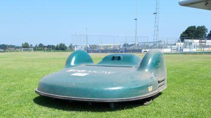 Hamontse voetbalclubs krijgen robotmaaier