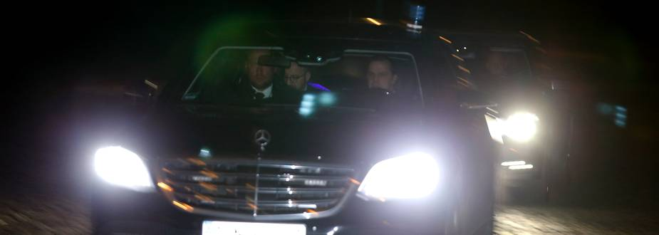 Herlees - Koning Filip houdt ontslag van regering-Michel II in beraad