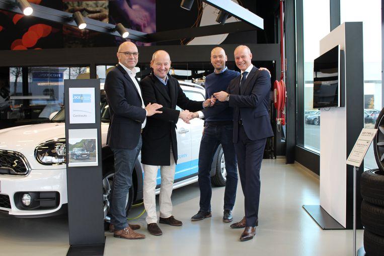 Bouwbedrijf DCA investeert 600.000 euro in de hybride wagens.