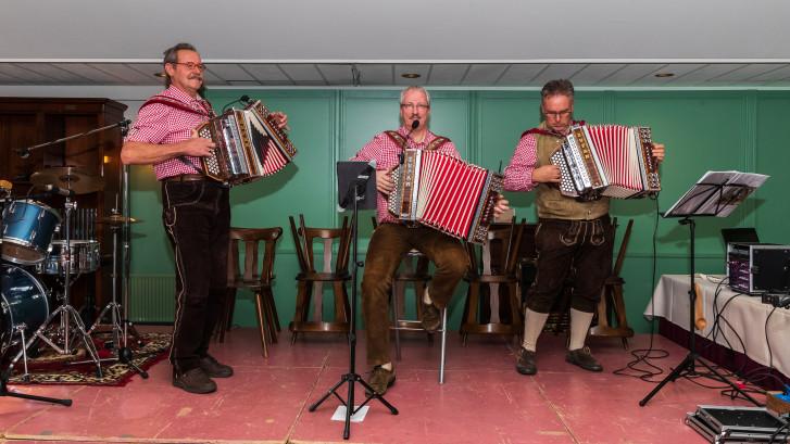 'Gemütlichkeit' op de Harmonicadag in Neede