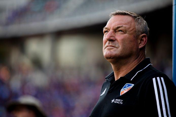 Ron Jans als coach van FC Cincinnati.