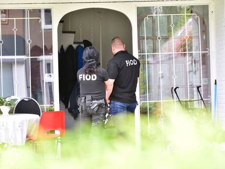 FIOD doet inval bij Casino Game Palace in Heeze, meerdere aanhoudingen
