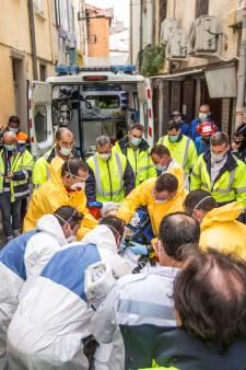 Fransman met obesitas door veertig man en hoogwerker geëvacueerd