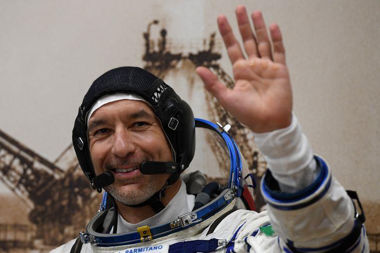 Luca Parmitano bracht in totaal 33 uur en 9 minuten al 'wandelend' in de ruimte door.