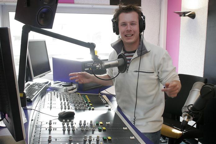 Tjeerd van den Elsen uit Best begon  op zijn Tilburgse school een radiostudio voor het taalonderwijs. Hij mag zich een jaar lang 'Beste leraar van Nederland' noemen.