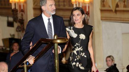 Spaanse koningin trekt jurk van Dries Van Noten aan