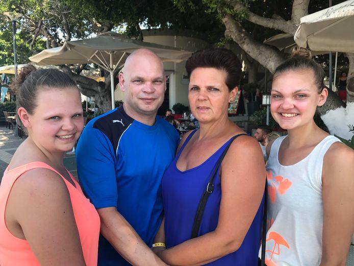 Ellen, Stephen en dochters Romy en Margot