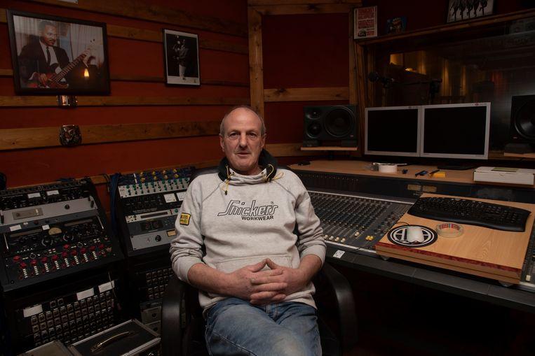 Germain in zijn studio in Wetteren.