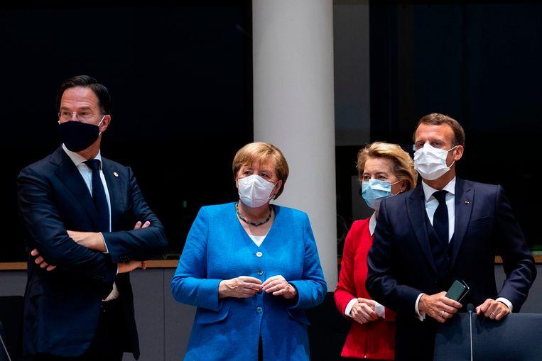Kopstukken in de Europese politiek: premier Mark Rutte, bondskanselier Angela Merkel, voorzitter van de Europese Commissie Ursula von der Leyen en de Franse president Emmanuel Macron. Beeld AFP