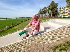 Vijftien nieuwe treden naar de IJssel dankzij Bert van de Zandweerd