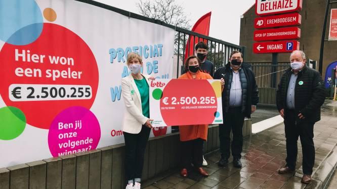 Jong gepensioneerde wint Lotto in Erembodegem en is 2,5 miljoen euro rijker