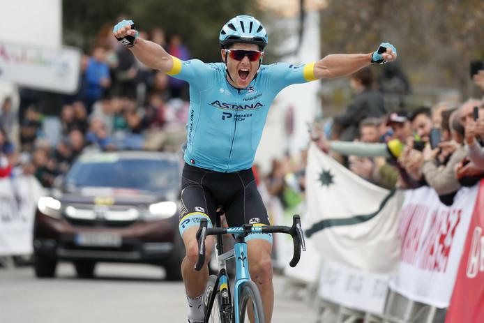 Jakob Fuglsang wint in Grazalema.