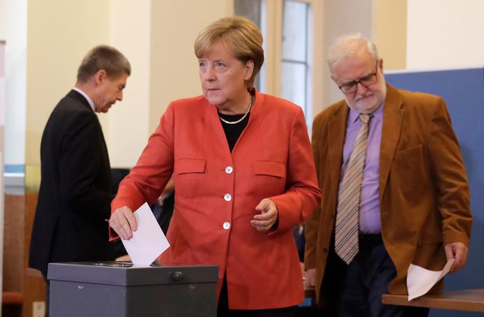 Ook bondskanselier Angela Merkel bracht haar stem uit