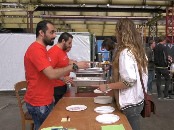 Win-win-winsituatie: Mundial en vluchtelingen helpen elkaar