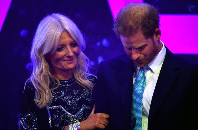 Harry werd overmand door emoties tijdens zijn speech.