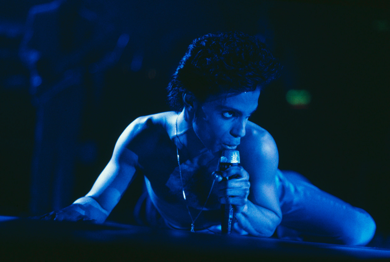 Prince tijdens een optreden in het Londense Wembley-stadion (augustus 1986).