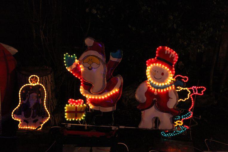 Dansende kerst- en sneeuwmannen.