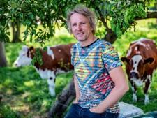 Hoe Geertjan uit Rouveen met zijn tv-programma Frontberichten een miljoenenpubliek bereikte: 'Aan de rand van het bed wilden we zijn'
