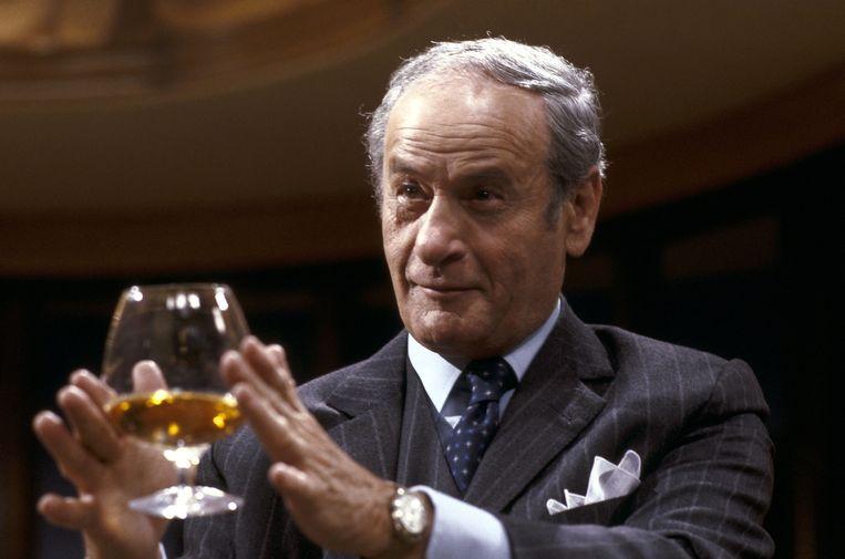 Zijn film- en toneelcarrière overspande zes decennia. Wallach werd bij het grote publiek vooral bekend door zijn rollen als schurk Beeld null