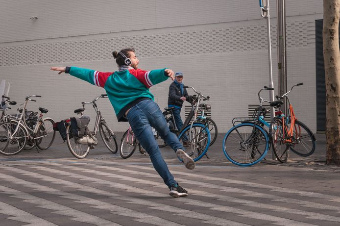 Dansgezelschap Vloeistof met 'Stadswild'