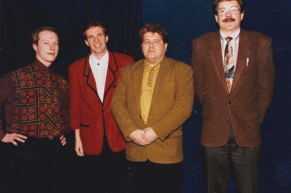 Paul Severs met Erik Lemmens rechts naast hem in zaal Rooseselt in 1995.