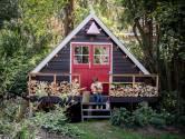 Anki en Casper maakten een functionele tuinhut: 'Kinderen hebben wel om wifi gevraagd'