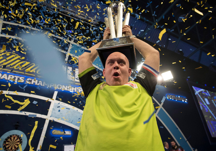 Michael van Gerwen was uitzinnig van vreugde na het veroveren van de wereldtitel.