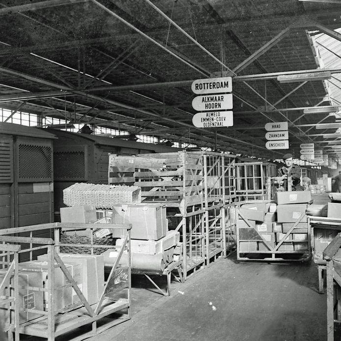 Opening nieuwe goederenloods Van Gend en Loos in Eindhoven in 1956
