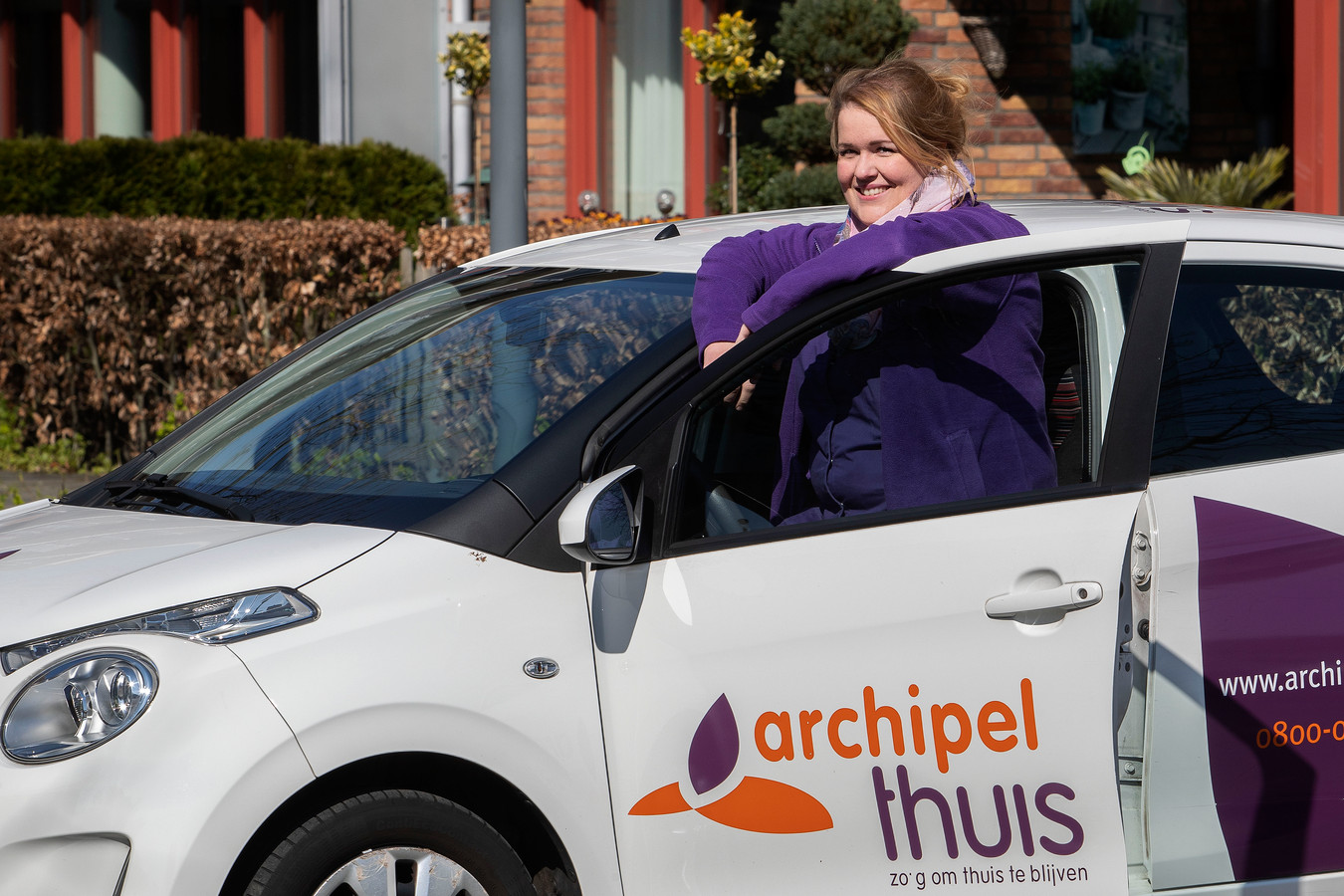 Ghislaine Huyben biedt als wijkverpleegkundige hulp aan mensen die langer zelfstandig thuis kunnen wonen met ondersteuning van Thuiszorg.