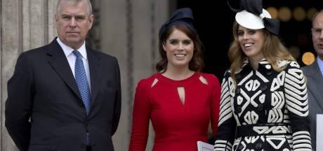 Britse pers drijft prins Andrew verder in het nauw