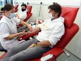 Rode Kruis zoekt bloedplasma van genezen coronamannen, Koen Wauters geeft alvast het goede voorbeeld